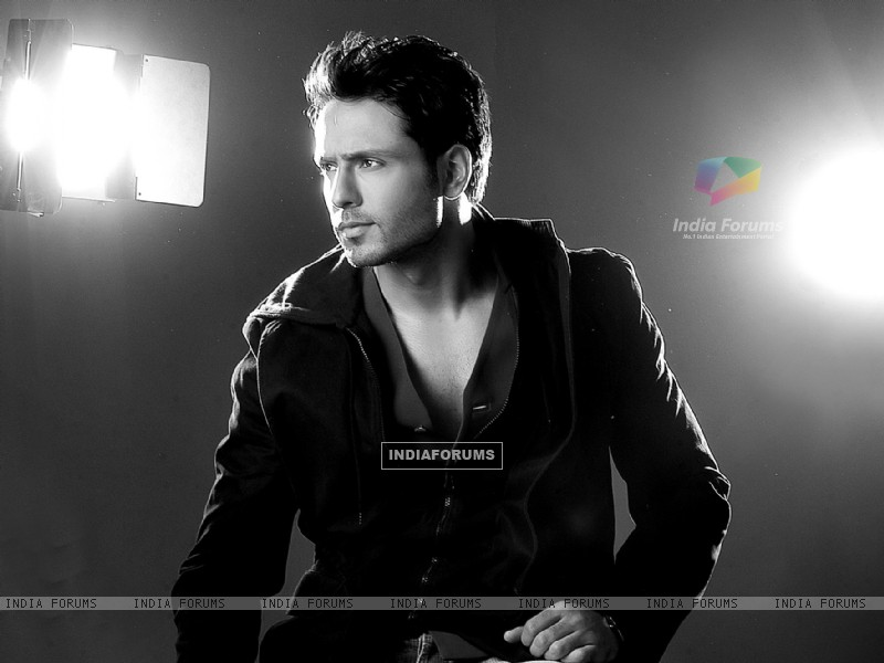 Iqbal Khan (215984) size:800x600