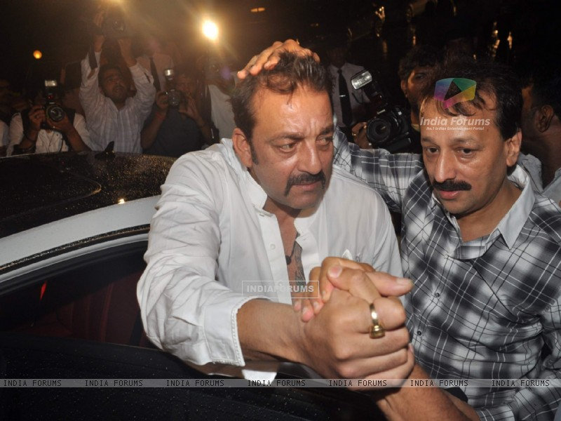 Bollywood actor Sanjay Dutt at Baba Siddique's Iftar party in Taj Lands End, Mumbai . (216034) size:800x600
