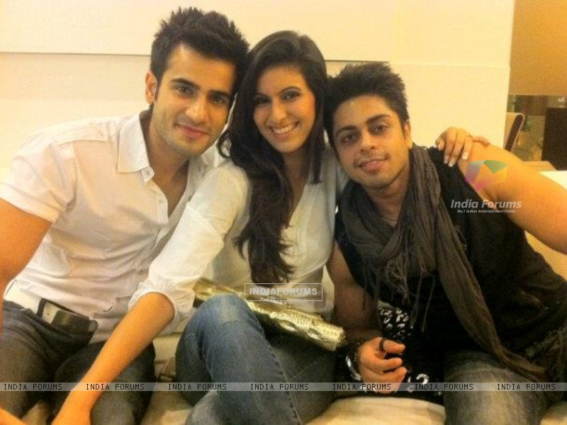 Karan, Khushboo and Jaskaran (216230) size:800x600