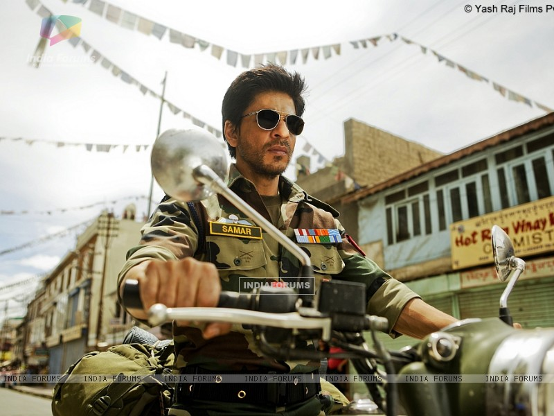 Shah Rukh Khan shooting for Yash Chopra's untitled directorial film (221551) size:800x600