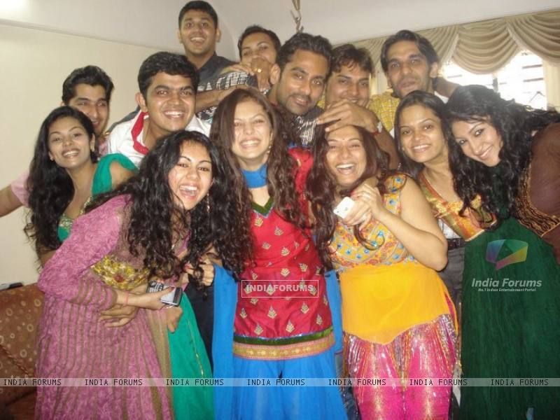Drashti with friends (225301) size:800x600