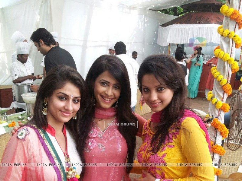 Ankita, Dimple and Adaa (227402) size:800x600