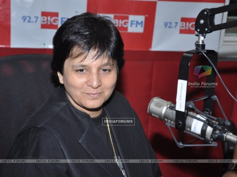 Falguni Pathak at 92.7 FM to announce the biggest navratri utsav (229689) size:800x600