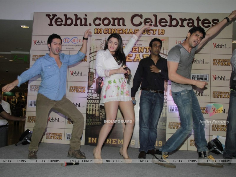 Film Student of the Year Starcast Launch Yebhi.com (230952) size:800x600
