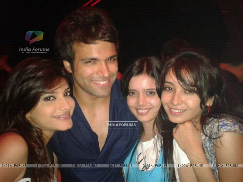 Asha, Jia, Shruti and Rithvik (231517) size:800x600