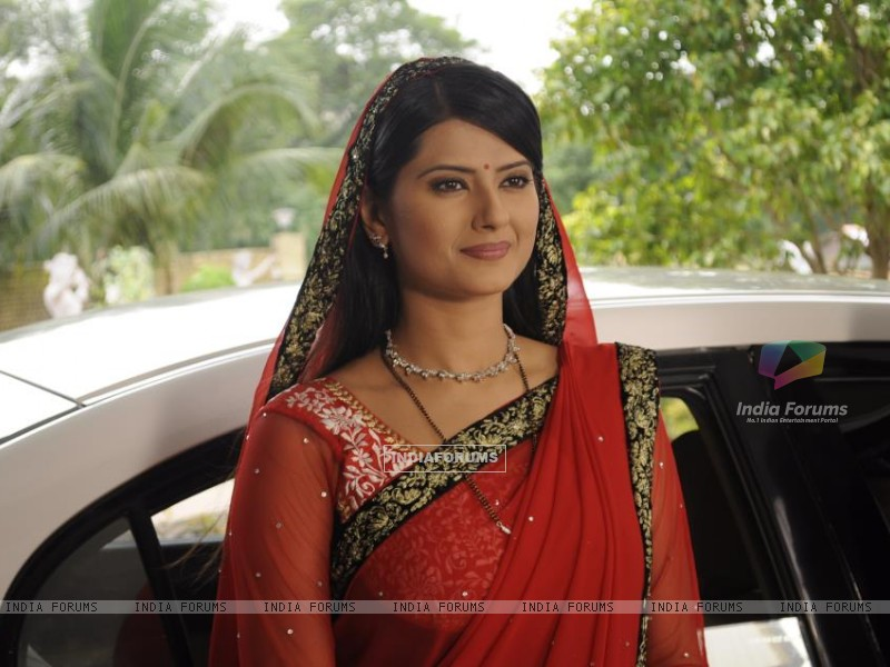 Kratika as Aarti (231793) size:800x600