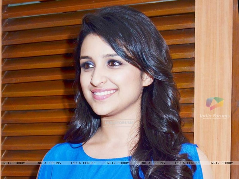 Parineeti Chopra (238441) size:800x600