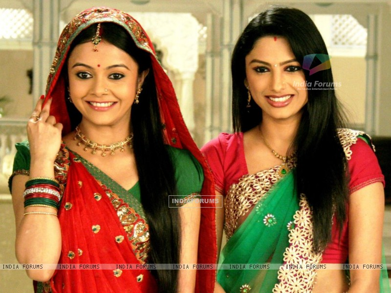 Devoleena and Rucha in Saath nibhana saathiya (239132) size:800x600