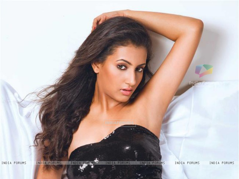Additi Gupta (241430) size:800x600