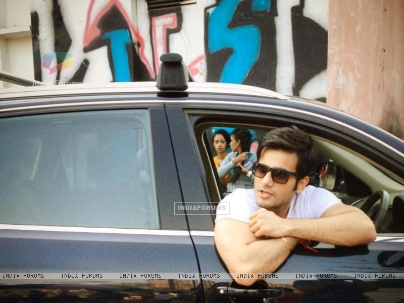 Karan Tacker shooting for Audi (246092) size:800x600