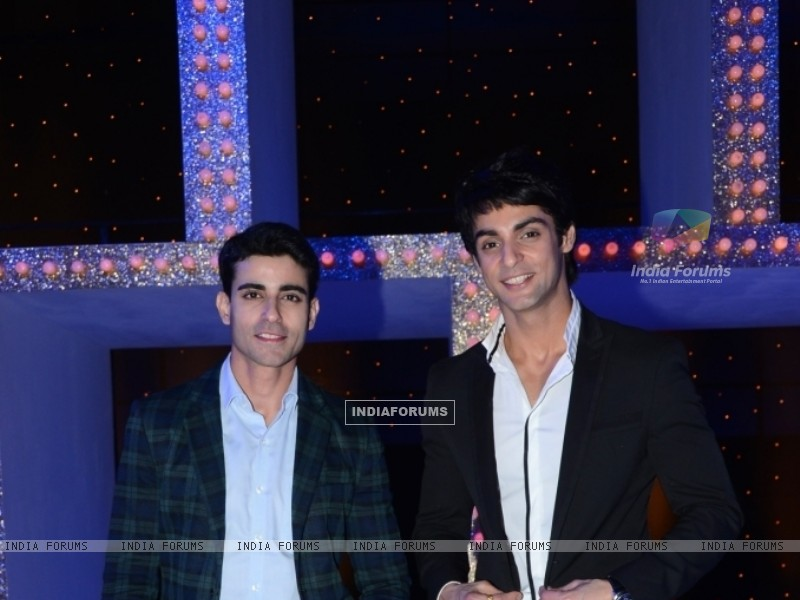 Gautam Rode and Karan Wahi as the host of the show Nach Baliye 5 (249090) size:800x600
