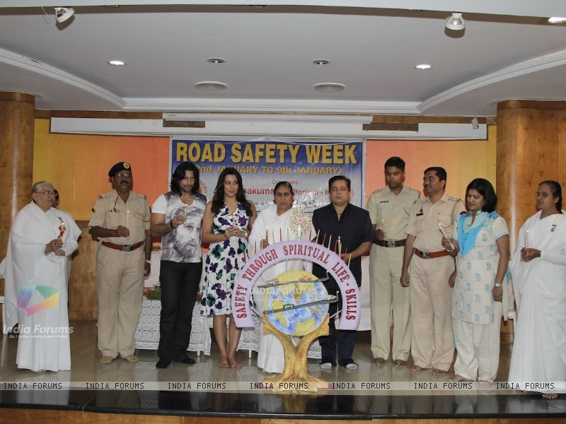Road Safety Campaign Launch by Pooja Bedi at Bramhakumaris Borv east (249974) size:800x600