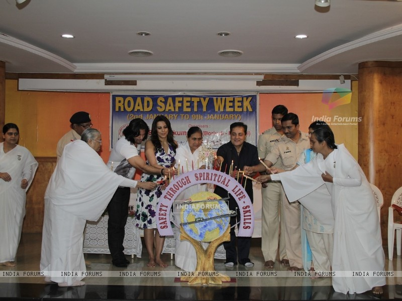 Road Safety Campaign Launch by Pooja Bedi at Bramhakumaris Borv east (249976) size:800x600