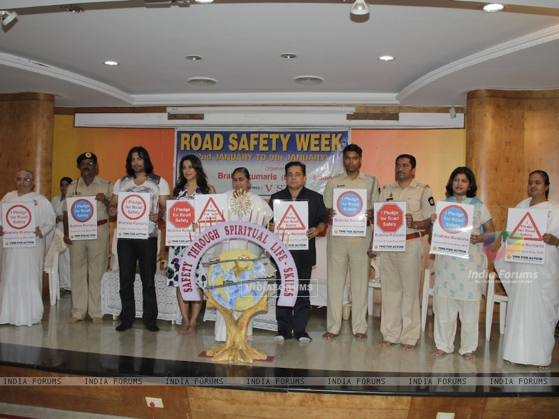 Road Safety Campaign Launch by Pooja Bedi at Bramhakumaris Borv east (249979) size:800x600