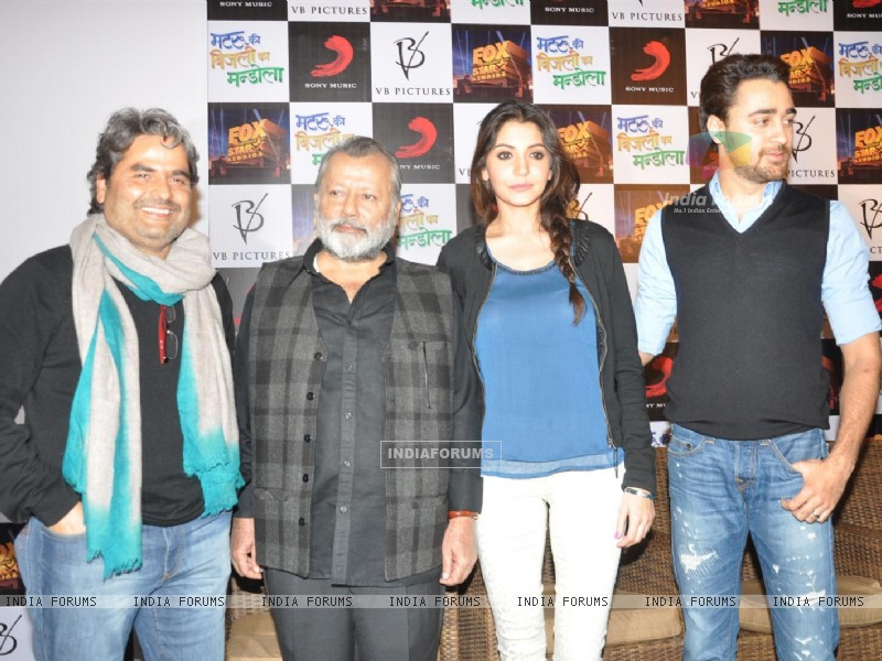 Press Meet Film Matru ki Bijlee ka Mandola (251382) size:800x600