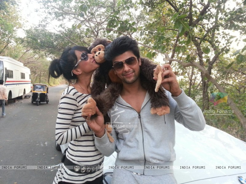Nia sharma with co star Kushal Tandon (254116) size:800x600