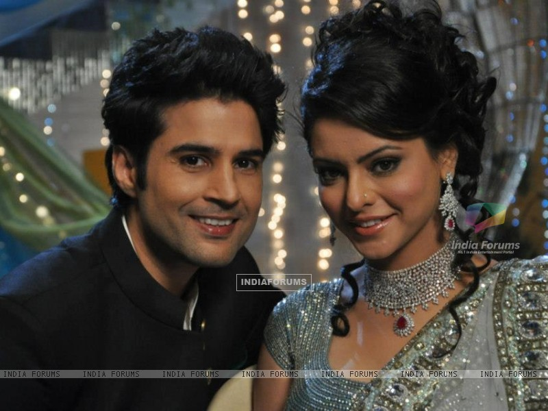 Aamna Shariff and Rajeev khandelwal (255301) size:800x600