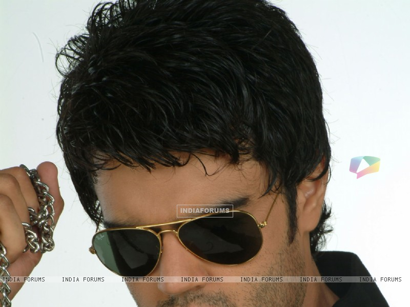 Manish Paul (30562) size:800x600