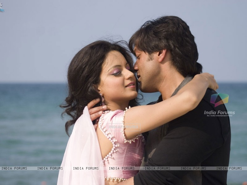 Bobby and Kangna doing romance (31482) size:800x600