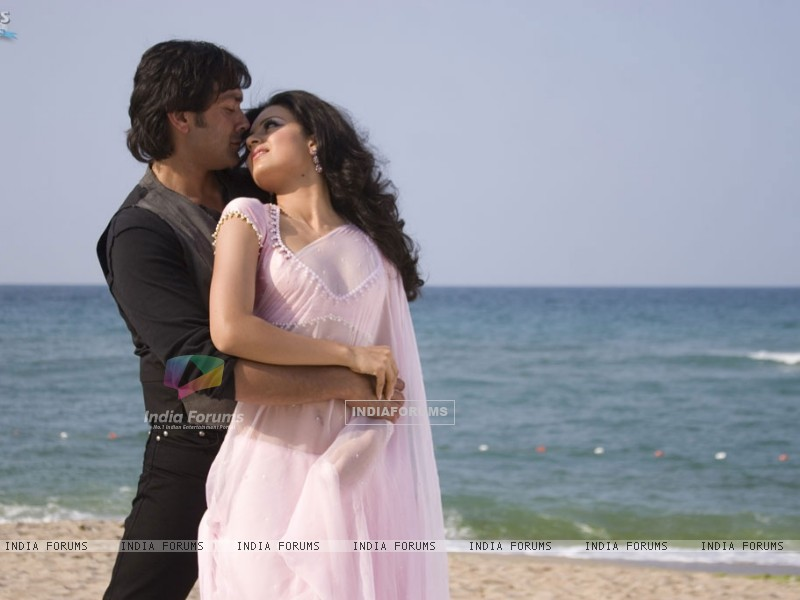 Bobby and Kangna romantic scene (31484) size:800x600