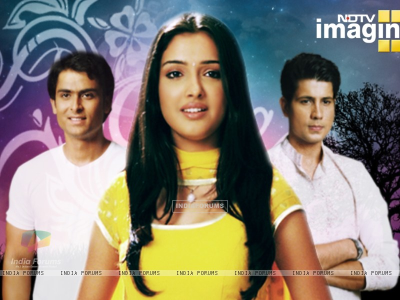 Amrapali, Shoaib and Sumit as Suman, Karan and Kartik in Rehna Hai Teri Palkon ki Chaaon Mein (32262) size:800x600