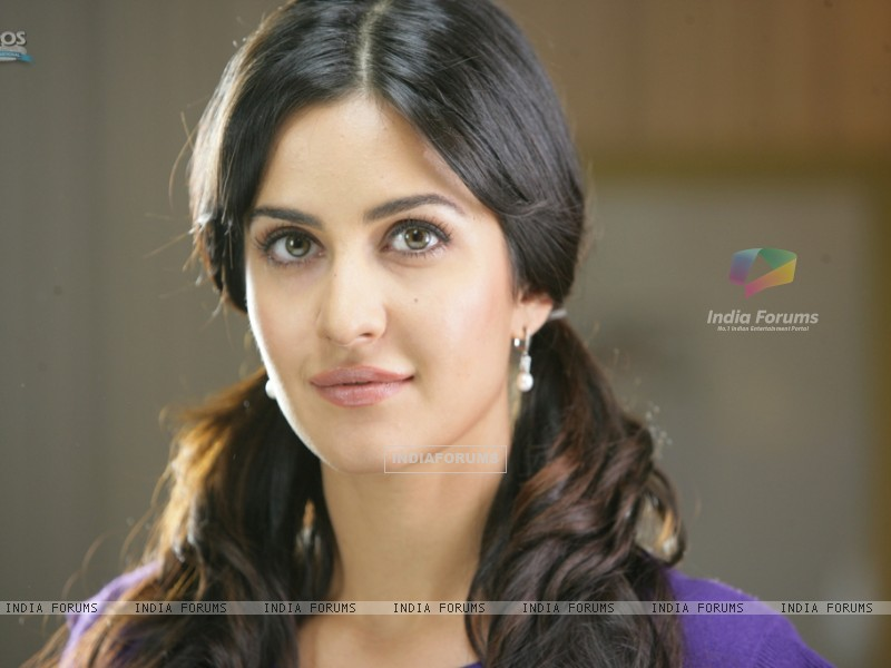 Katrina Kaif looking sweet and Pretty (39246) size:800x600