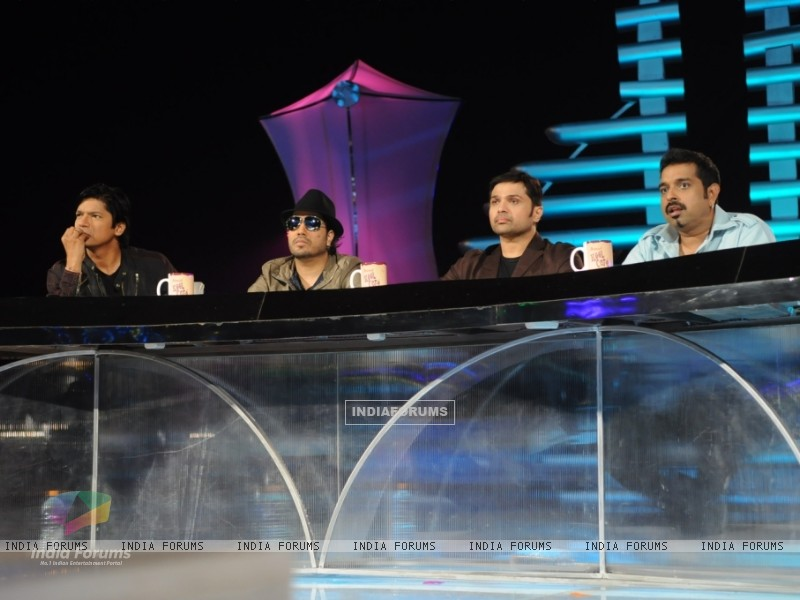 Shaan, Mika, Himesha and Shankar at Music Ka Maha Muqqabla (40518) size:800x600