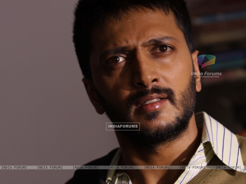 Ritesh Deshmukh looking shocked (41342) size:800x600