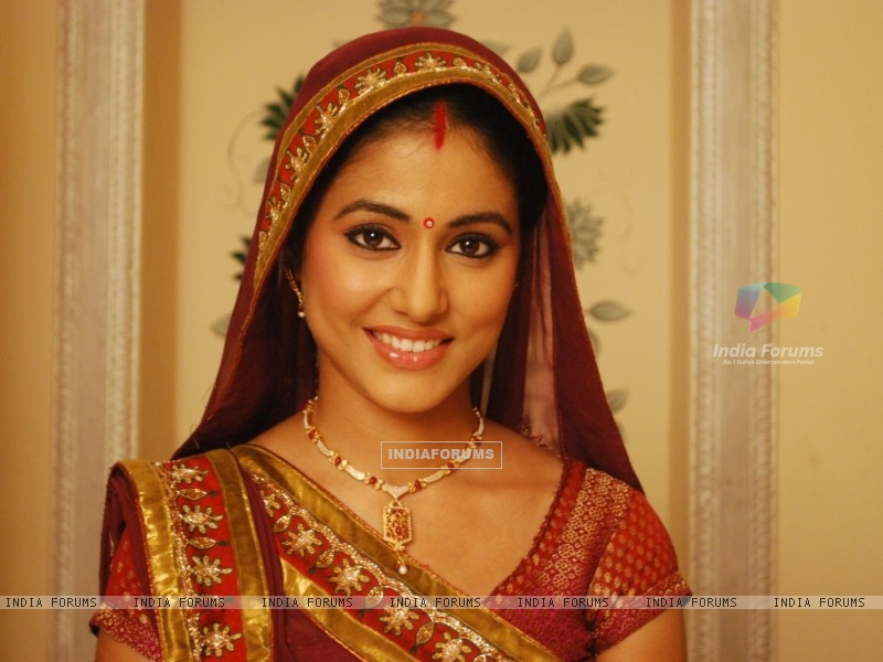 Hina Khan as Akshara (41363) size:800x600