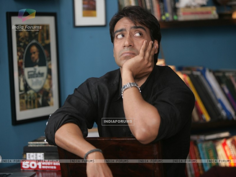 Ajay Devgan looking worried (56608) size:800x600