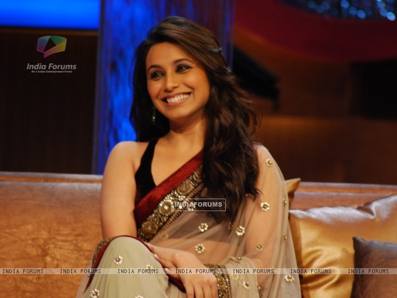 Rani closeup in tv show Lift Kara De (57232) size:800x600