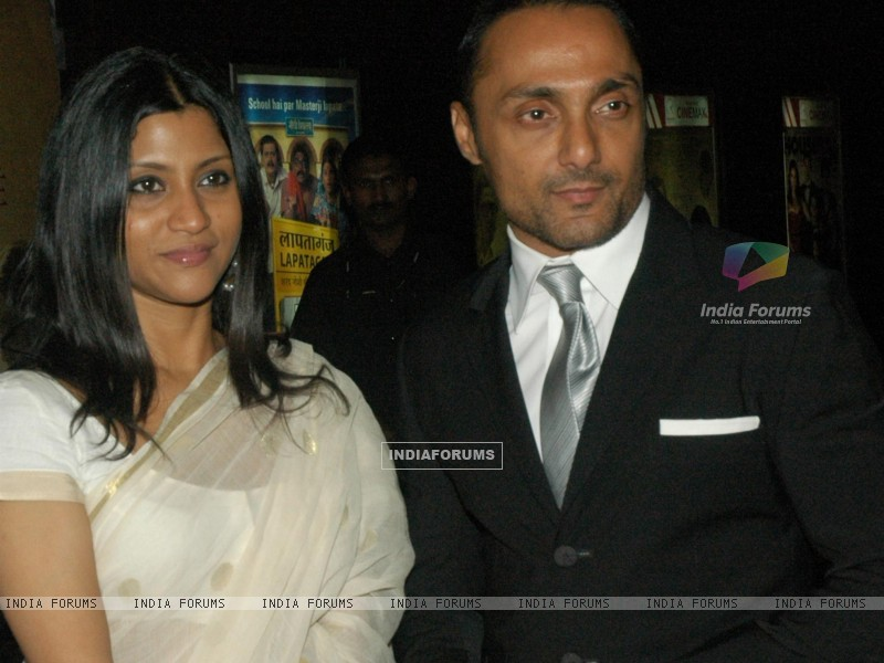 Rahul Bose and Konkona in the gala premeire of the movie The Japanese Wife (60023) size:800x600