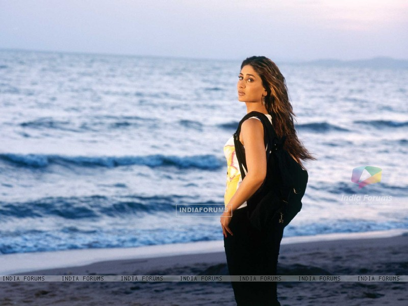 Kareena in Milenge Milenge movie (89085) size:800x600