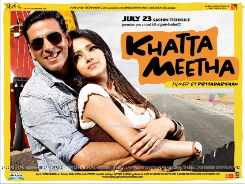 Khatta Meetha(2010) movie poster with Akshay and Trisha (89499) size:800x600