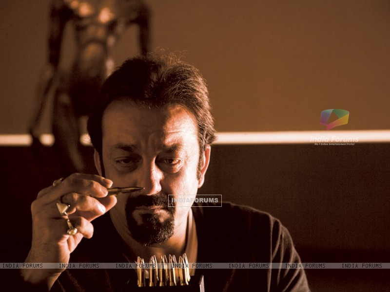 Wallpaper - Sanjay Dutt constantly seeing bullet (96256) size: