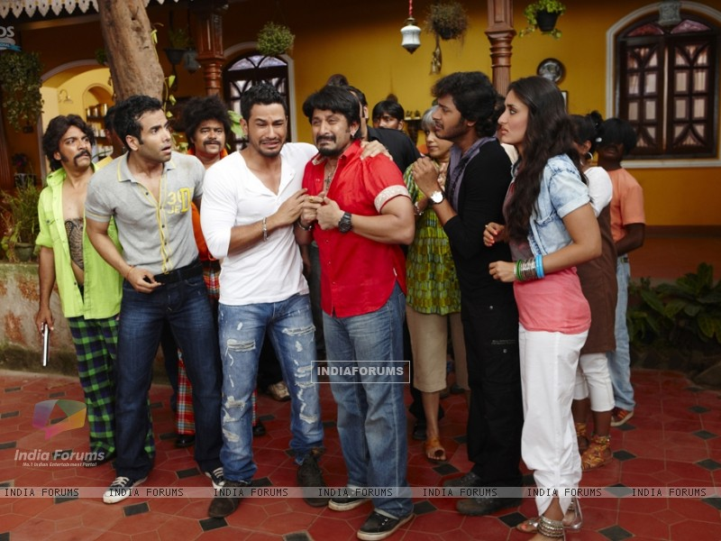Still from the movie Golmaal 3 (97380) size:800x600