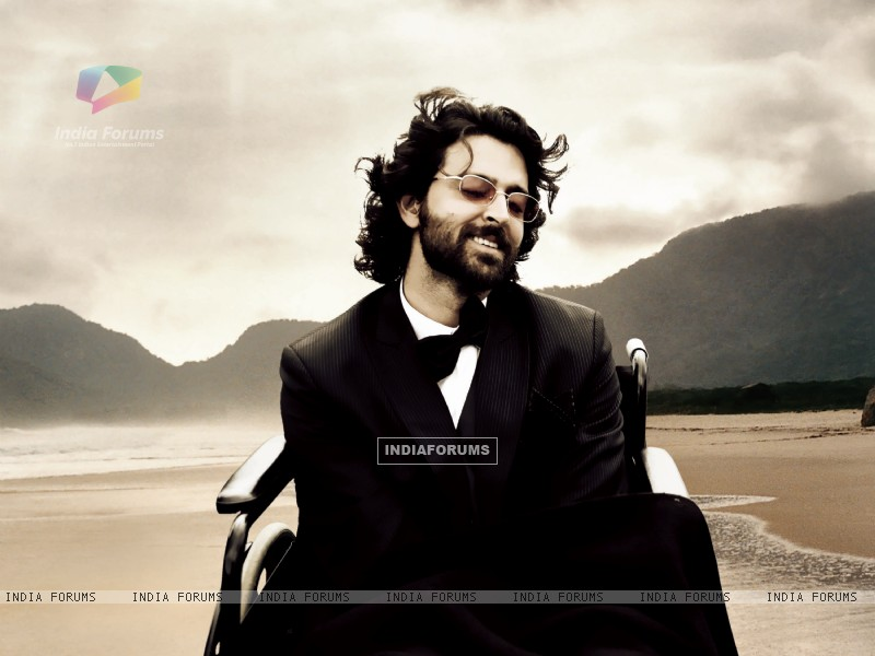 Hrithik Roshan on wheel chair (99001) size:800x600